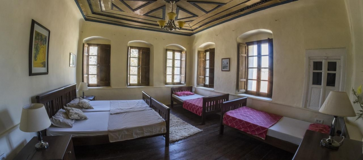 Hostel Berat Backpackers  image